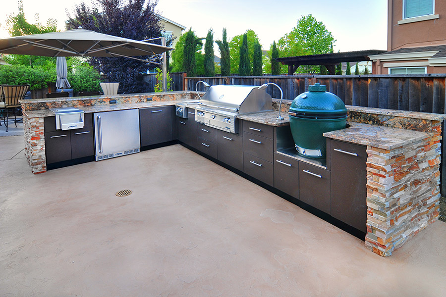 http://stagnerconstruction.com/wp-content/uploads/2016/11/3.Outdoor-Kitchen-web.jpg